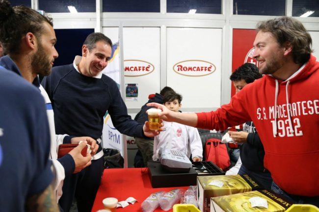 buffet brindisi maceratese play off foto ap (6)