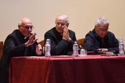 Da sinistra Monsignor Conti, il segretario generale Cei Nunzio Galantino e Don Vinicio Albanesi