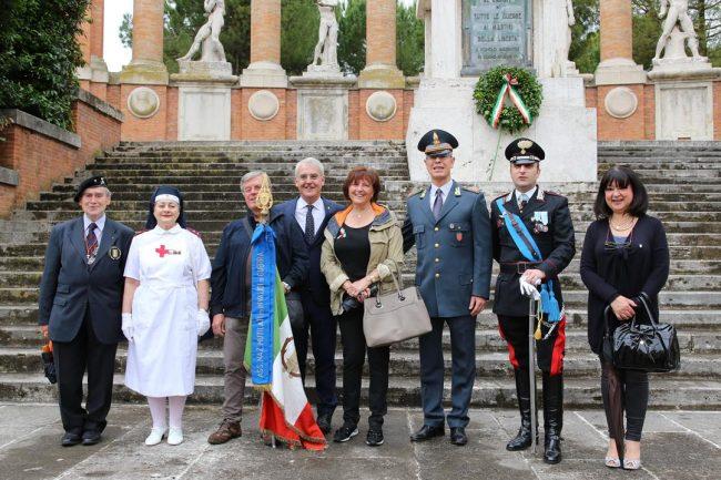 celebrazione 2 giugni 2016 macerata monumento vittoria_Foto LB (1)