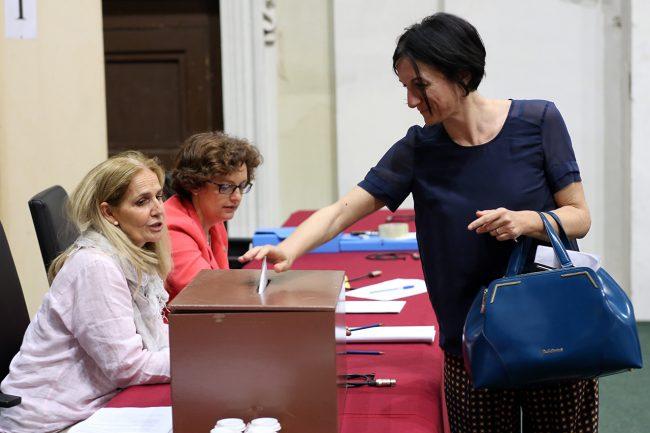 elezioni rettore unimc_Foto LB (7)