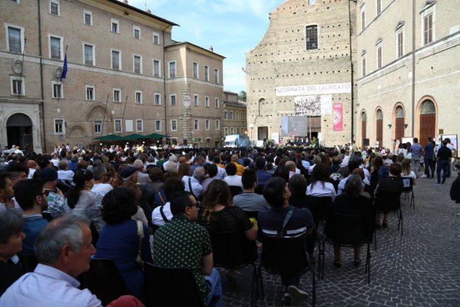 festa del laureato 2016 unimc piazza foto ap (14)