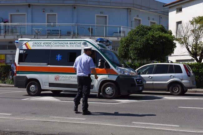 incidente - ciclista - via martiri di belfiore - vigili urbani - civitanova (2)