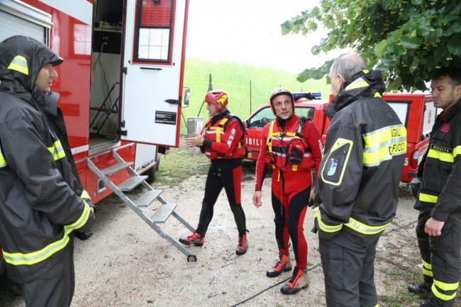 ricerche scomparsa camerino lago delle grazie tolentino (2)