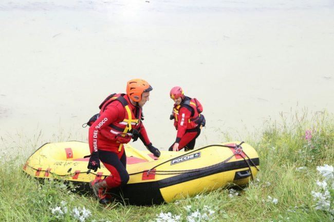 scomparsa lago delle grazie sommozzatori vigili del fuoco 5