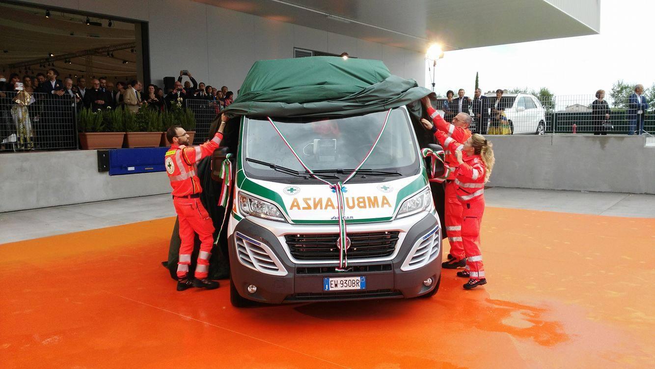 L'ambulanza donata alla Croce Verde