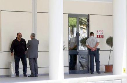 Giuseppe Cerolini questa mattina alla caserma della Finanza