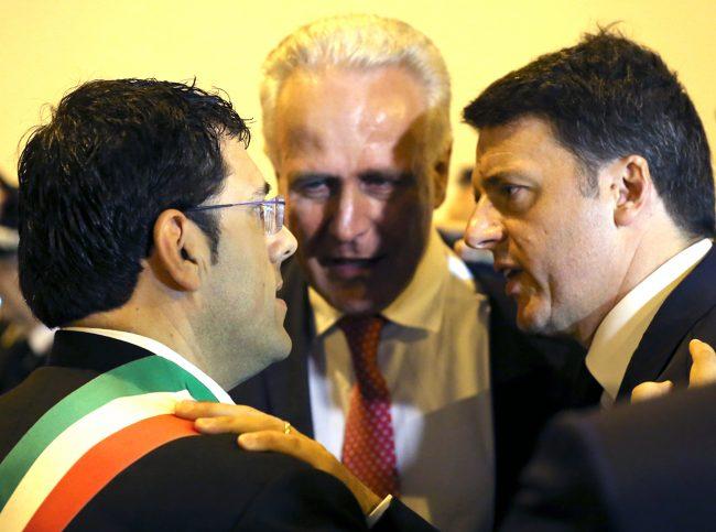 L'abbraccio tra Matteo Renzi e Francesco fiordomo