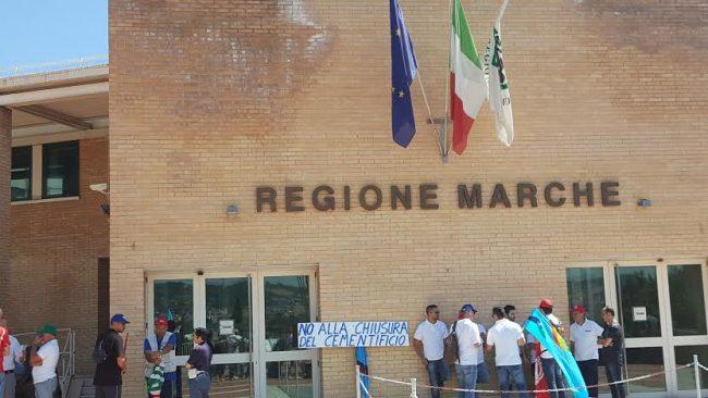 Protesta Sacci Regione 1