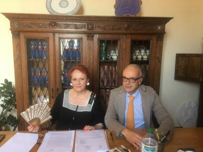 L'avvocato Tina Ridolfi col sindaco di Ussita Marco Rinaldi