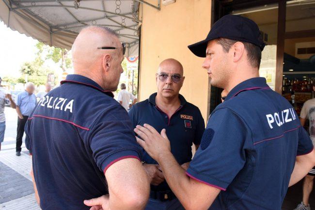 accoltellamento giardini piazza gramsci polizia - civitanova (1)
