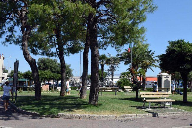 accoltellamento giardini piazza gramsci polizia - civitanova (2)