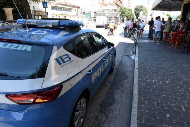 accoltellamento giardini piazza gramsci polizia - civitanova (3)