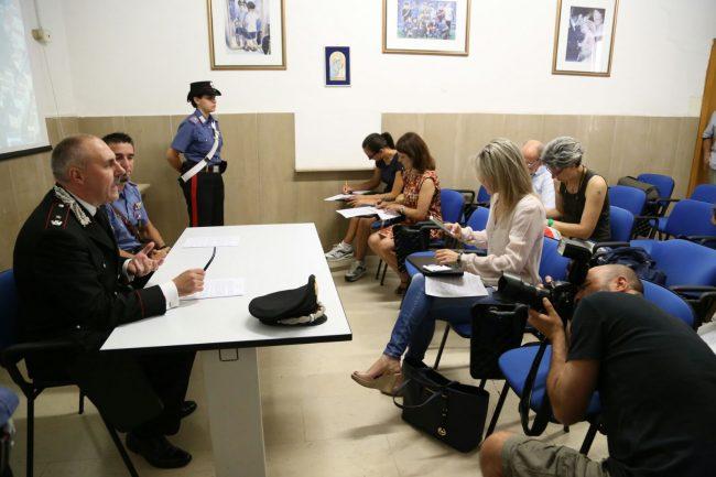 finte_sciamane_conferenza_stampa_carabinieri (2)