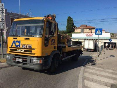 furgone sottopasso civitanova