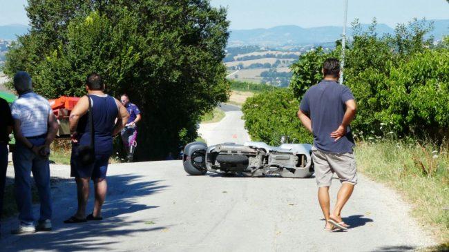 mortale_scooter_trattore_monte_san_giusto (1)