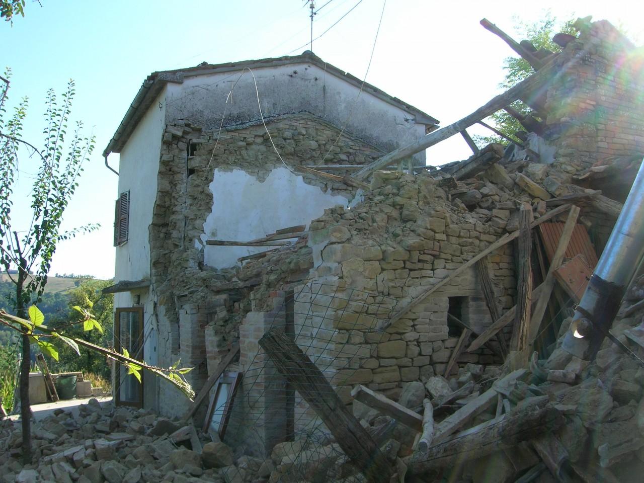 Terremoto, altra forte scossa di magnitudo 4.4