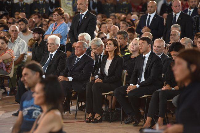 Il presidente Sergio Mattarella durante il funerale di oggi ad Ascoli (foto Federico De Marco)