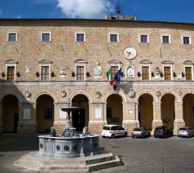 Il palazzo comunale di Treia