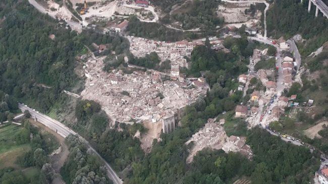 Pescara del Tronto: immagini dall'elicottero del Corpo forestale