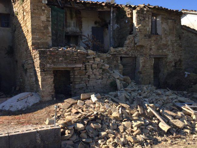 La casa crollata