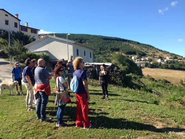 Vista ad Annifo guidata da Laura Picchiarelli tra le iniziative del parco durante i fiorni della sagra