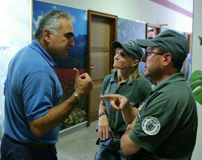 Il segretario Silvano Marchegiani ieri con la polizia provinciale