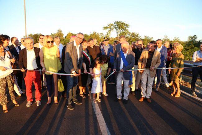 inaugurazione ponte san giovanni XXIII corridonia colbuccaro 2016 foto ap (22)