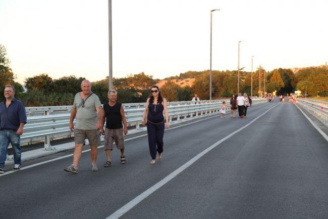 inaugurazione ponte san giovanni XXIII corridonia colbuccaro 2016 foto ap (30)