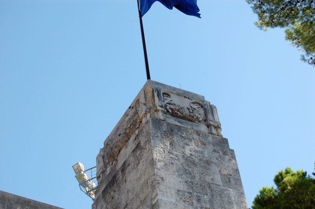 terremoto-danni-monumento-v