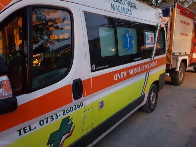 L'ambulanza della Croce Verde a Pescara del Tronto