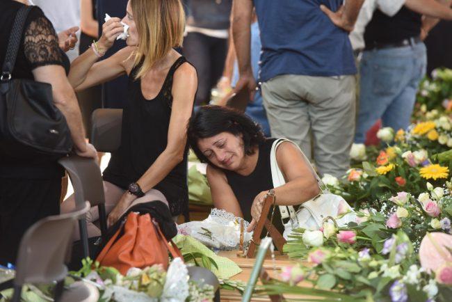 terremoto_funerali_ascoli_dolore_parenti_fdm (2)