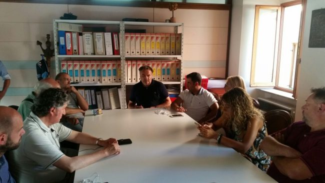 La riunione di oggi a Tolentino con il sindaco Giuseppe Pezzanesi e i consiglieri per fare il punto del dopo terremoto