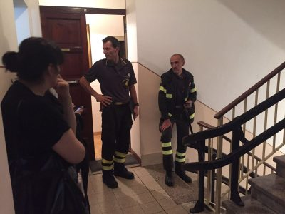 L'intervento dei vigili del fuoco in un'abitazione di via Roma