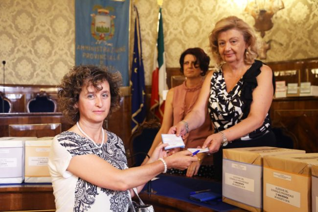 votazione presidente della provincia di macerata 2016 formica foto ap (24)