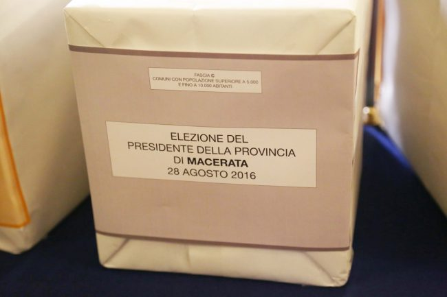 votazione presidente della provincia di macerata 2016 foto ap (4)