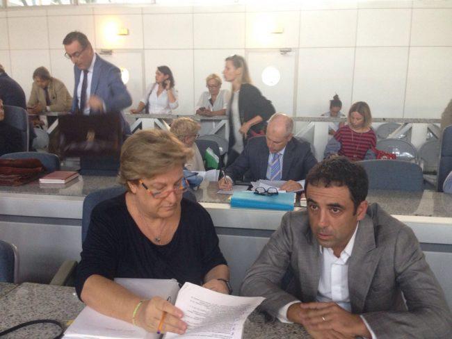 Francesco Comi insieme al suo legale, l'avvocato Marina Magistrelli, durante l'udienza di questa mattina