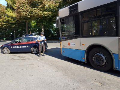 autobus_carabinieri