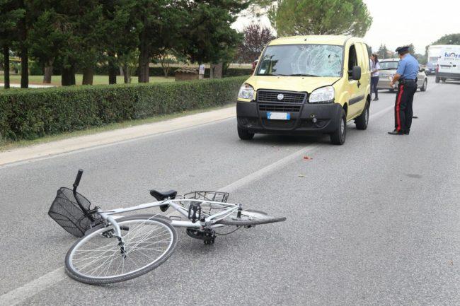 L'incidente dove è rimasto coinvolto il ciclista