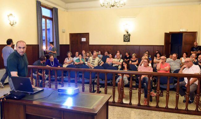 cittadini-del-centro-incontrano-il-sindaco-corvatta-civitanova-4
