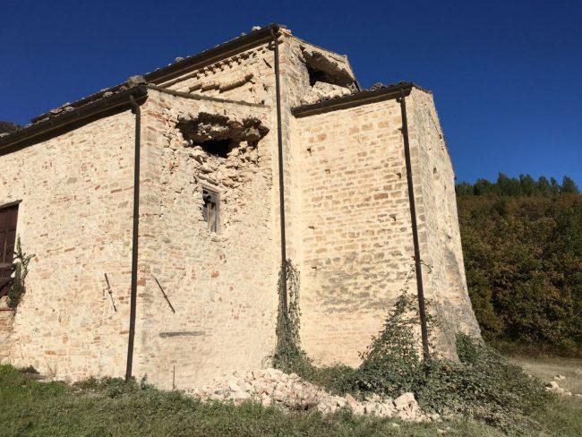 4sarnano_abbazia_piobbico_terremoto_30_ottobre