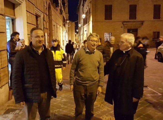 Vasco Errani col sindaco Gianluca Pasqui e l'arcivescovo Francesco Giovanni Brugnaro