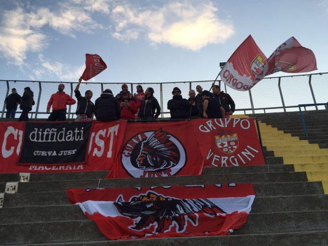 I tifosi della Maceratese a Bergamo