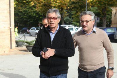 Vasco Errani (a sinistra) insieme all'assessore Angelo Sciapichetti