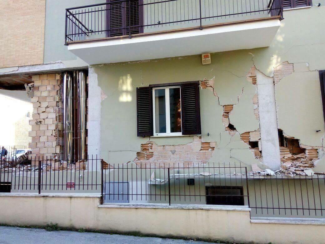 Terremoto a Camerino, le immagini dei crolli nel centro