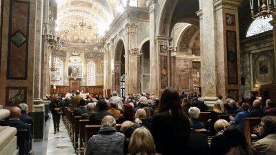 La concattedrale di San Catervo per l'ultimo saluto a Ermanno Pupo
