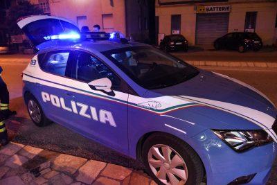 incendio-la-bottega-dei-sapori-romeni-via-carducci-_-martiri-di-belfiore-polizia-vdf-civitanova-8-400x267