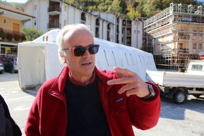 Il sindaco Marco Rinaldi nella sua Ussita dopo le scosse