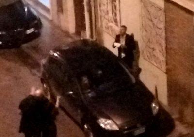 Una delle auto multate in via Vela