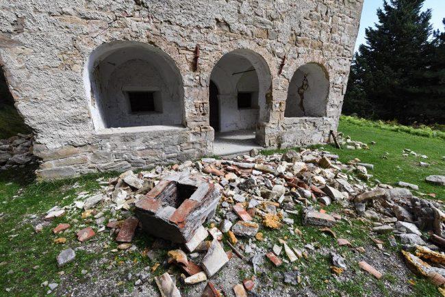 post-terremoto-cane-tito-forca-di-montegallo-10