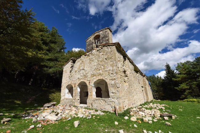 post-terremoto-cane-tito-forca-di-montegallo-11